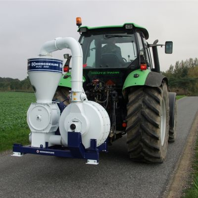 TRANSPORTOR PNEUMATIC CEREALE ACTIONARE P.T.O. TRACTOR KONGSKILDE-INDUSTRIES (DANEMARCA)